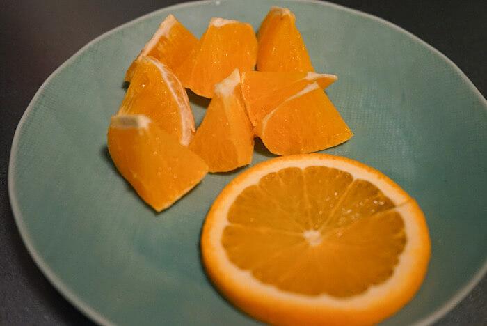 切り分けたオレンジ