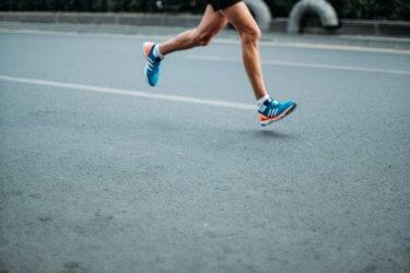 インターバルトレーニング。マラソンにおける効率的な走力強化