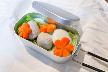 お雑煮の残り食材を使ってメスティンで餅カレー鍋【レシピ】