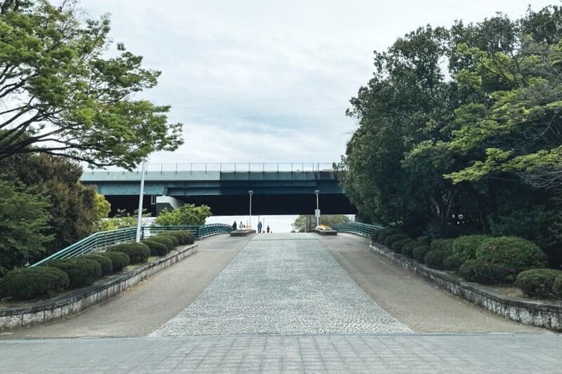 久宝寺緑地東地区への橋