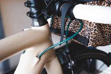 Velo Orangeのアウターケーブルでロードバイクをおしゃれにカスタマイズ