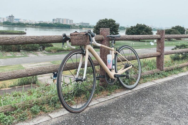 塗装したロードバイク
